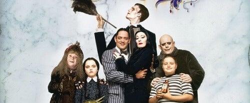 Rodzina Addamsów: czyli film łączący piękno i makabrę w jedną całość