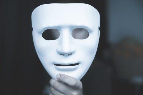 Zamaskowana osoba