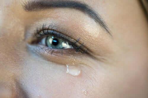 Łzy szczęścia - co i dlaczego je wywołuje?