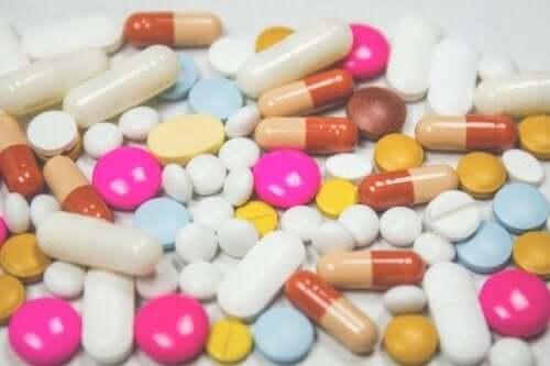 Różne tabletki - tycie wywoływane przez leki psychoaktywne