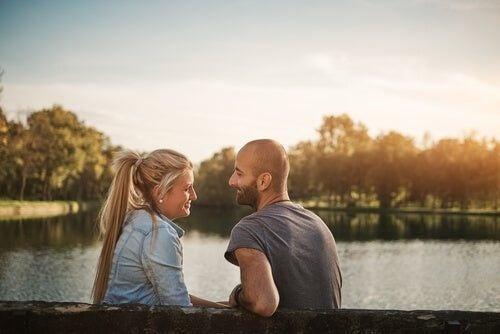Zakochana para - więzi z inną osobą