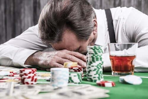 Patologiczni hazardziści: zniekształcenia poznawcze