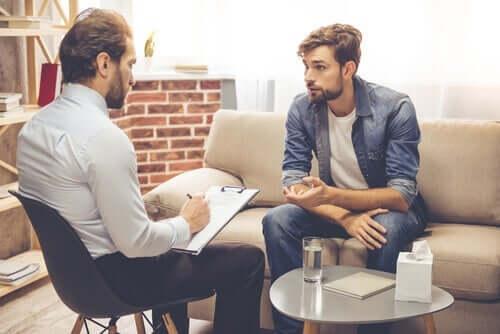 Terapeuta z klientem - umiejętności doradcze w psychoterapii