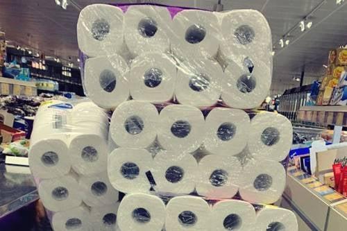 Koronawirus: dlaczego ludzie panikują wykupując papier toaletowy?