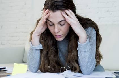 Wyczerpana kobieta - zmęczenie mentalne