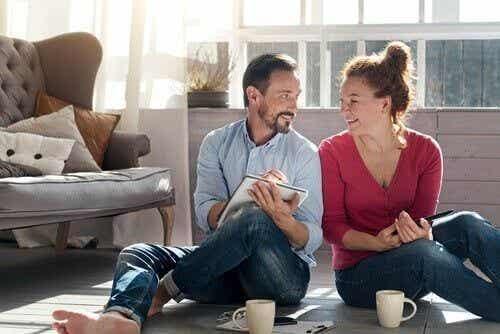 Jak wzmocnić swój związek podczas przymusowego odosobnienia?