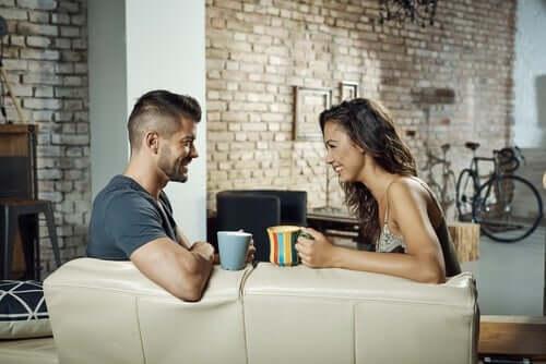 Asertywna komunikacja w związku - jak nad nią pracować?