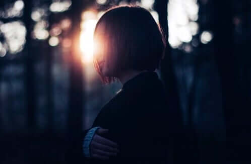Kobieta w nocy