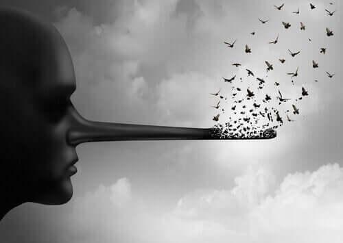 Kobieta z długim nosem - oszukiwanie samego siebie