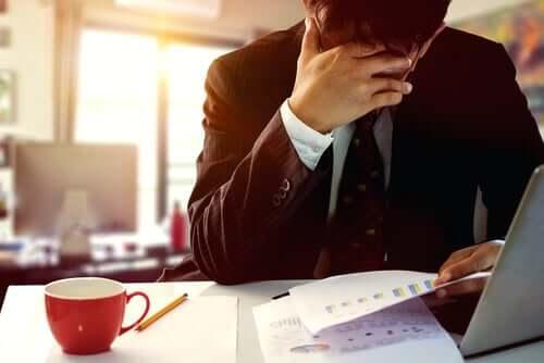 Mężczyzna w stresie