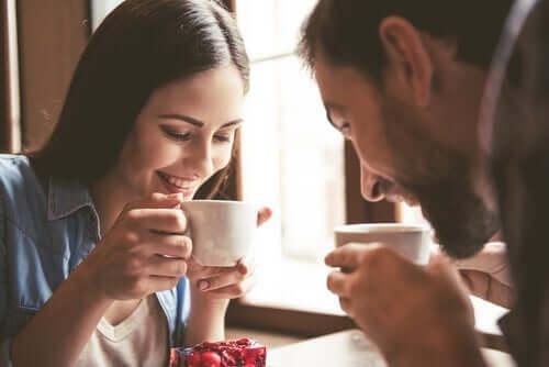 Para pijąca kawę - skala przystosowania diadycznego