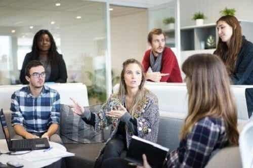 Negatywne postawy w pracy: 4 przykłady