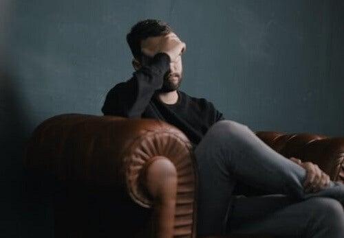 Patologiczne zamartwianie się: objawy i leczenie
