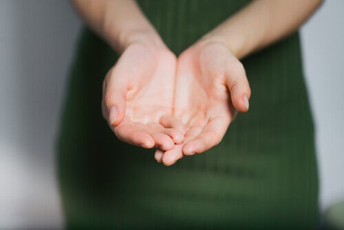 Dłonie kobiety