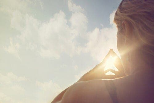Związek duchowości z osobowością: co je łączy?