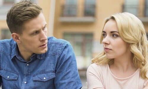 Zazdrość i pasywna agresywność: cicha akceptacja