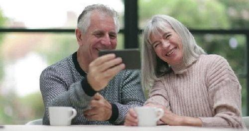 Seniorzy i tablet
