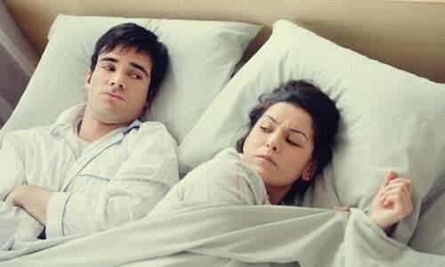 Chodzenie spać w złym nastroju to zły nawyk