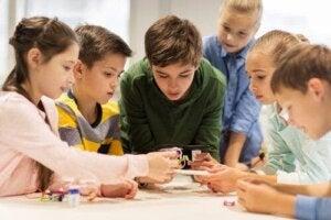 Nauczanie interaktywne: na czym dokładnie polega?