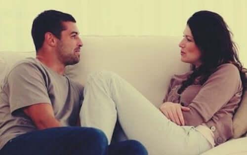 Jak poznać drugą osobę? Na co zwrócić uwagę?