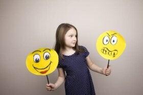 Edukacja emocjonalna: czy uczyć jej w szkole?
