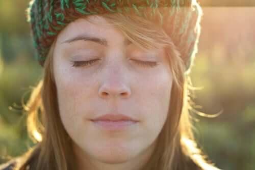 Zamknij oczy i wzmocnij Twoje wewnętrzne połączenie