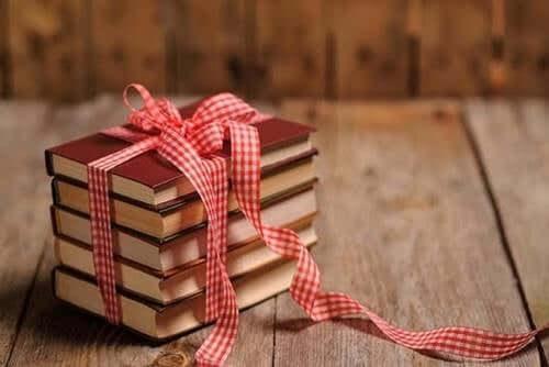 Jeśli kogoś kochasz, podaruj mu książkę
