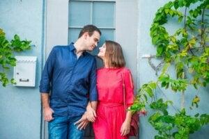 Związki LAT: mieszkanie osobno to dobre rozwiązanie?