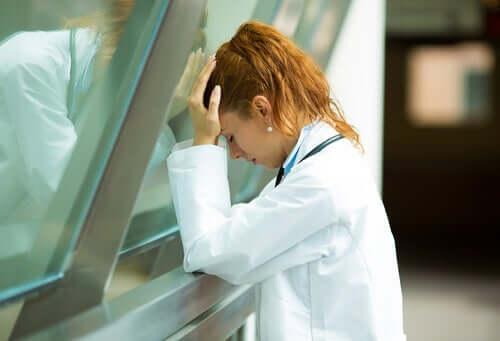 Wypalenie zawodowe wśród pracowników służby zdrowia