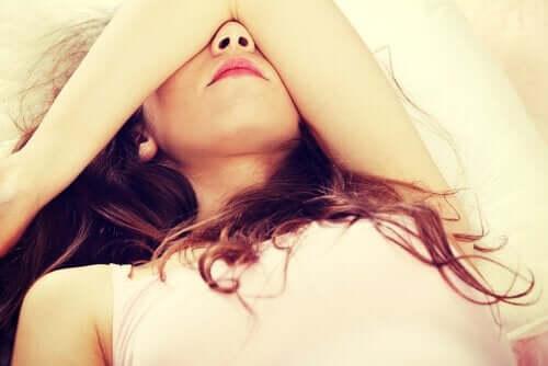 Cztery nawyki zakłócające sen - pozbądź się ich!