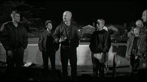 Skinheadzi w filmie Więzień nienawiści