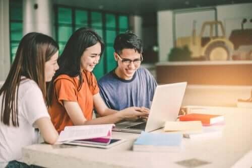 Uczący się studenci