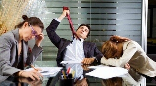 Zombie w pracy: poznaj ten fenomen