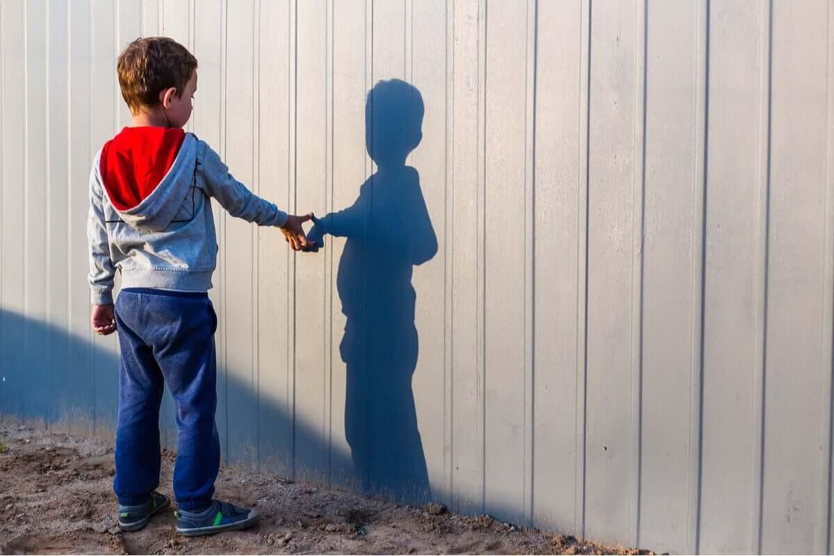 Dziecko i jego cień