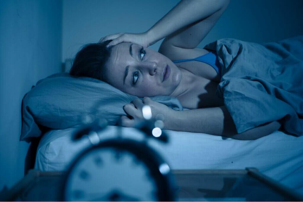 Kobieta cierpiąca na bezsenność