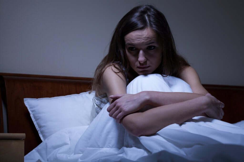Dlaczego dokucza mi nocne uczucie niepokoju?