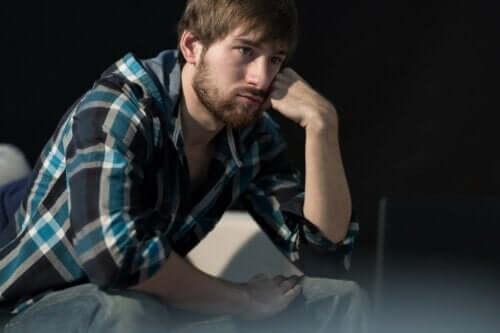 Przygnębiony mężczyzna
