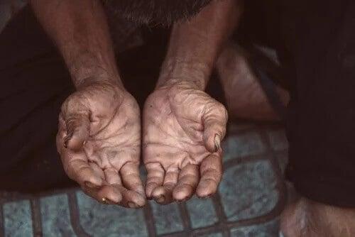 Spracowane dłonie