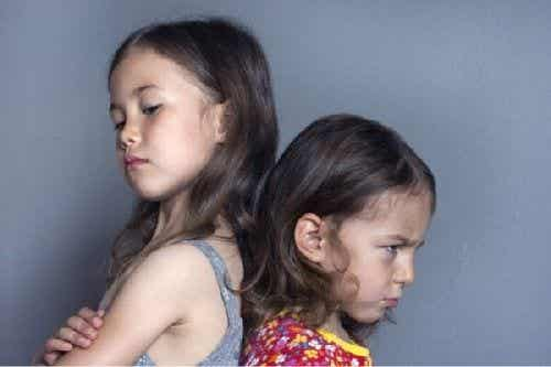 Zazdrość u dzieci - konsekwencje jej ignorowania