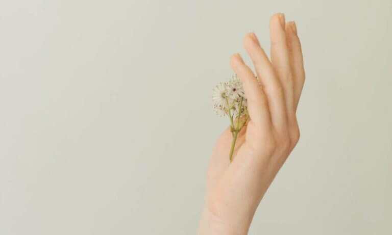 Samookaleczanie: dlaczego niektórzy celowo zadają sobie ból?