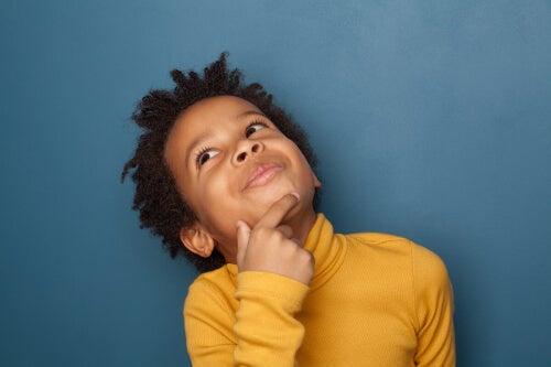 Rozmyślające dziecko