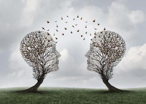 Głowy z drzew