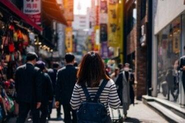 Poznaj różne fazy szoku kulturowego