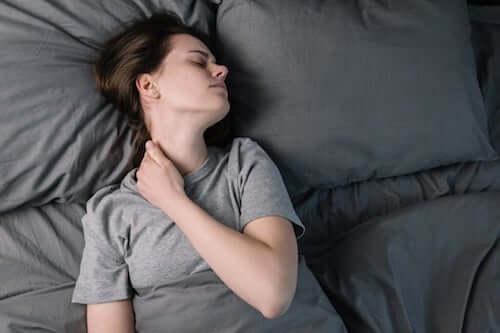 Przewlekły ból i sen - jaki mają związek?