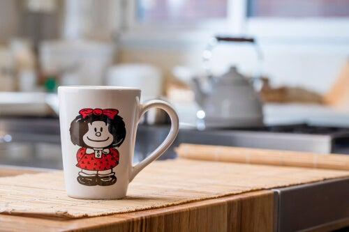 Mafalda na kubku