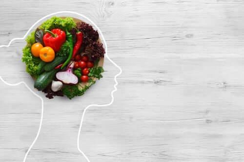 Mózg kobiety z warzywami