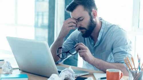 Jak rozwiązać konflikty w pracy zdalnej?