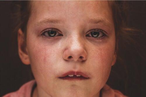 Porzucenie przez rodziców i jego konsekwencje