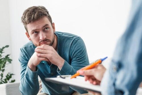 Dlaczego tak trudno iść do psychologa?