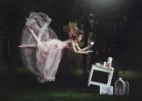 Wróżki i czarownice: kobiece stereotypy w bajkach